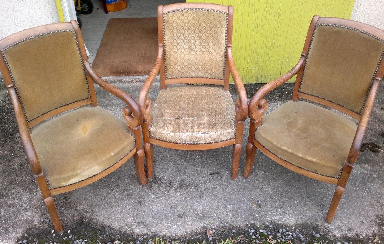 Réfection de fauteuils par un artisan tapissier de France