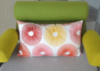 coussin-rouge-jaune