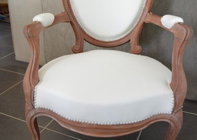 fauteuil-crapaud-blanc