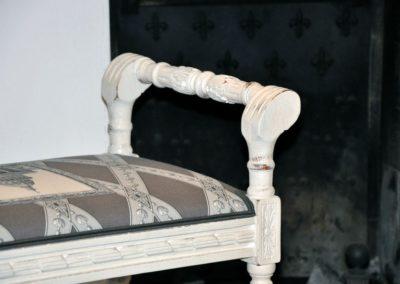 tabouret-curul-blanc-patine